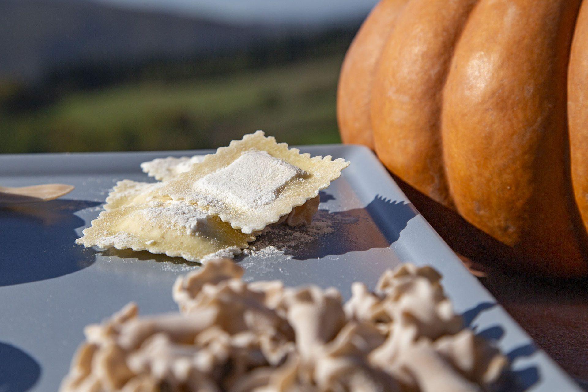 La Fornace de' Medici, una storia iniziata nel 1500. Una zucca e la pasta fatta a mano con il nostro grano Verna! Azienda Agricola Biologica, pasta fatta a mano con i nostri grani antichi